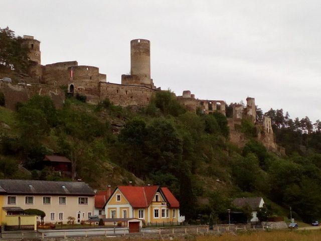 Rozlehlá zřícenina hradu Kollmitz