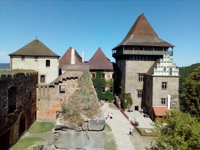 Nádvoří hradu Lipnice