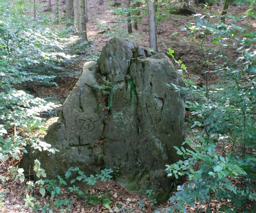 Pamětní kámen pod Pustým zámkem