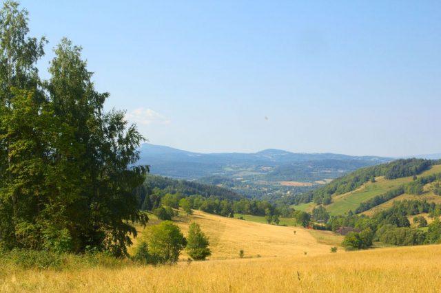 Výhledy do Polska cestou na Borůvkovou horu