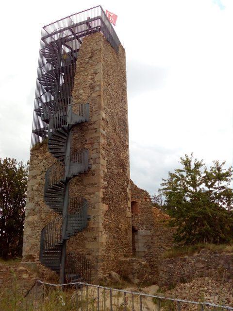 Hradní věž s rozhlednou